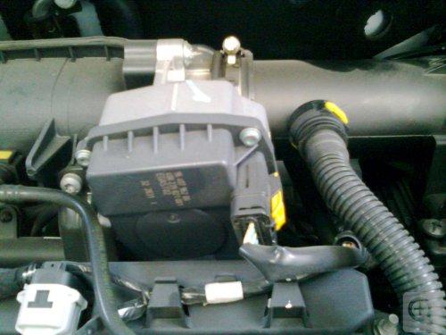 چرا ماشین گاز برمی دارد